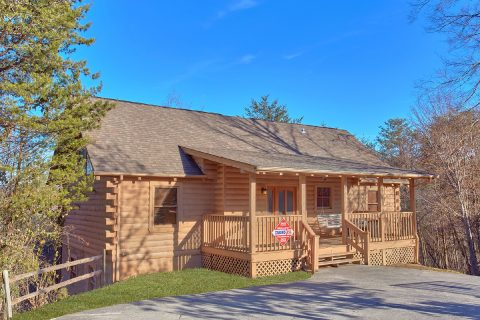 Rustic 4 Bedroom Cabin in Pigeon Forge - Mountain Fever