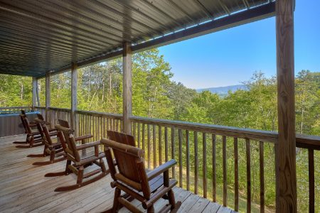 Dancing Bears: 2 Bedroom Pigeon Forge Vacation Home Rental