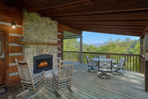 Cabin with outdoor Fireplace and wooded View - Mountain Glory