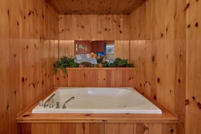 2 Jacuzzi Tubs 1 Bedroom 2 Bath Cabin Sleeps 6 - Mountain Hideaway