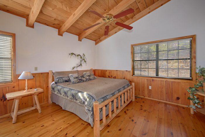 1 bedroom Cabin Sleeps 6 Extra Bedroom in Loft - Mountain Hideaway