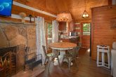 Cozy 2 Bedroom Cabin with Dining Area for 4