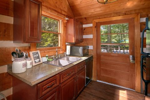 2 Bedroom Cabin with Fully Stocked Kitchen - Mountain Moonlight