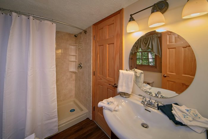 Cabin with Private Master Bedroom and Bath - Mountain Moonlight