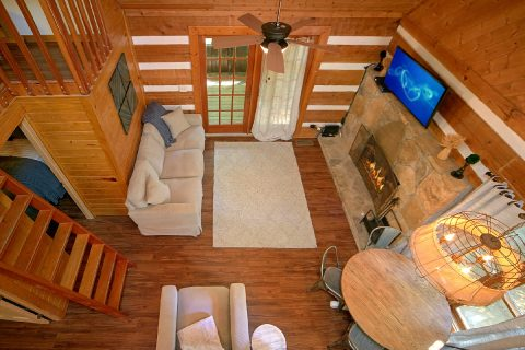 Wears Valley Cabin with Loft Area and Fireplace - Mountain Moonlight
