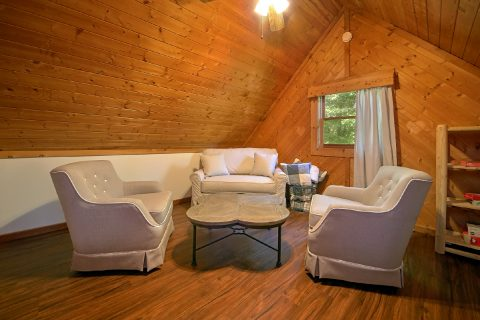2 Bedroom Cabin with Loft, Den and arcade game - Mountain Moonlight