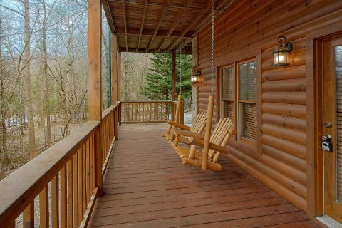 2 Bedroom with Covered Porch and Swing - Mountain Retreat