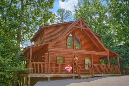 A Gift From Heaven: 1 Bedroom Sevierville Cabin Rental