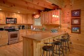 Luxury Honeymoon Cabin with Bar seating for 3