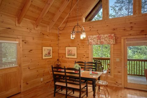 1 Bedroom Cabin with Open Dining Room & Kitchen - Mountain Star