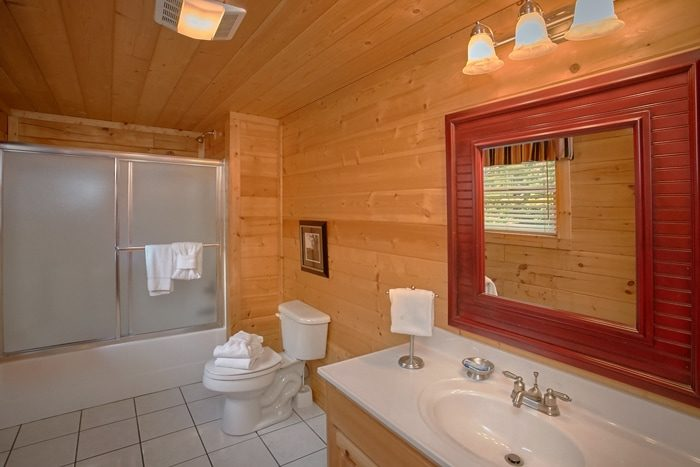1 Bedroom Cabin with Oversize Private Bath - Mountain Star