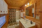 5 Bedroom cabin with Private Master Bath