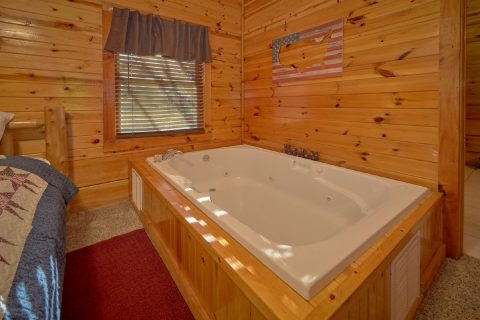 5 bedroom cabin with Private Jacuzzi Tub - Mountain Time