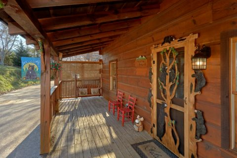 5 Bedroom cabin with porch swing and hot tub - Mountain Time