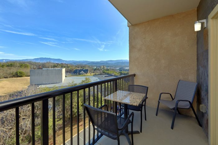 Luxurious 3 Bedroom Condo with Private Balcony - Mountain View 2607