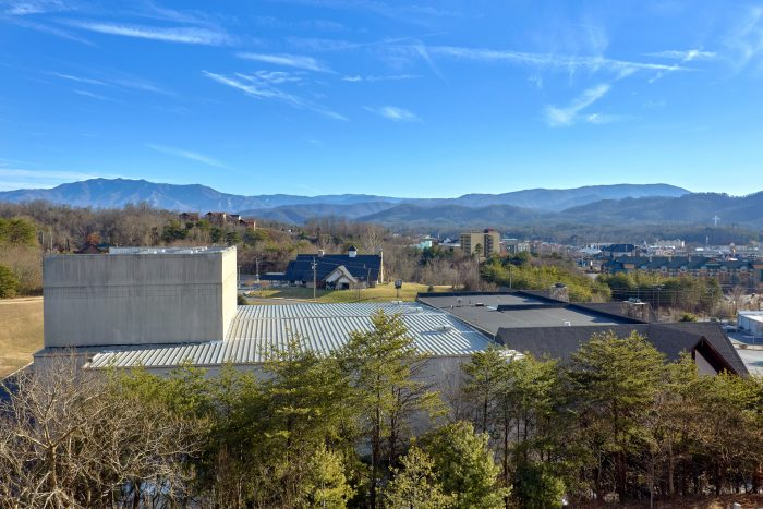 Pigeon Forge Condo Rental with View - Mountain View 2607