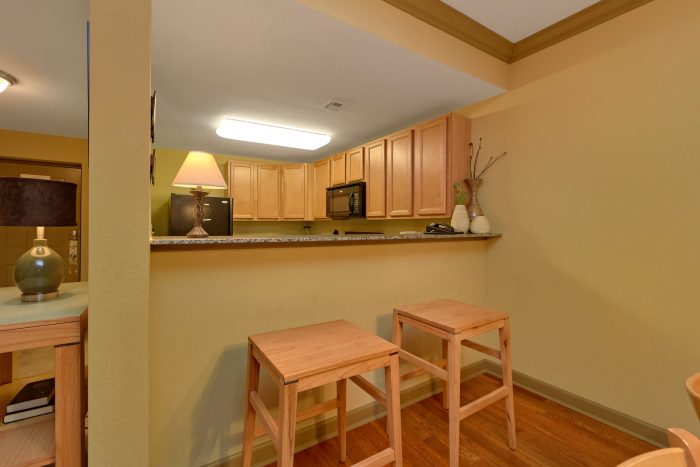 2 Bedroom Condo with Fully Equipped Kitchen - Mountain View 2704