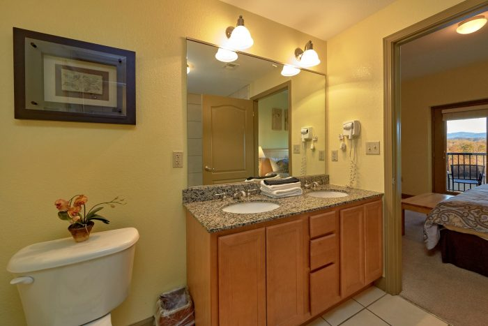 Premium Condo with Private Bathroom - Mountain View 2704