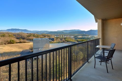 Luxurious Condo with Private Balcony - Mountain View 2704