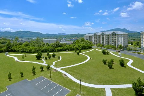 2 Bedroom Condo with Paved Walking Trail - Mountain View 2704