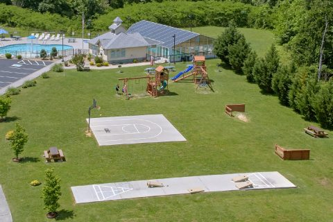 Condo with Basketball, Horseshoe Pit, & Cornhole - Mountain View 5102
