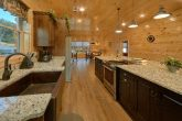 8 Bedroom Pool Cabin with an Island Kitchen
