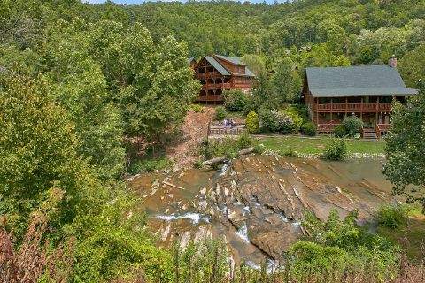 Wears Valley Cabin Sleeps 25 with Near by River - Mountain View Pool Lodge