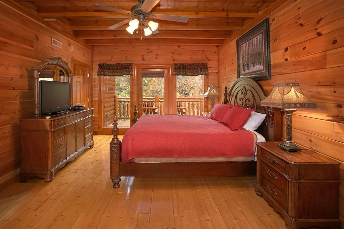 8 Bedroom Cabin Sleep 24 with 5 King Beds - Grand Theater Lodge