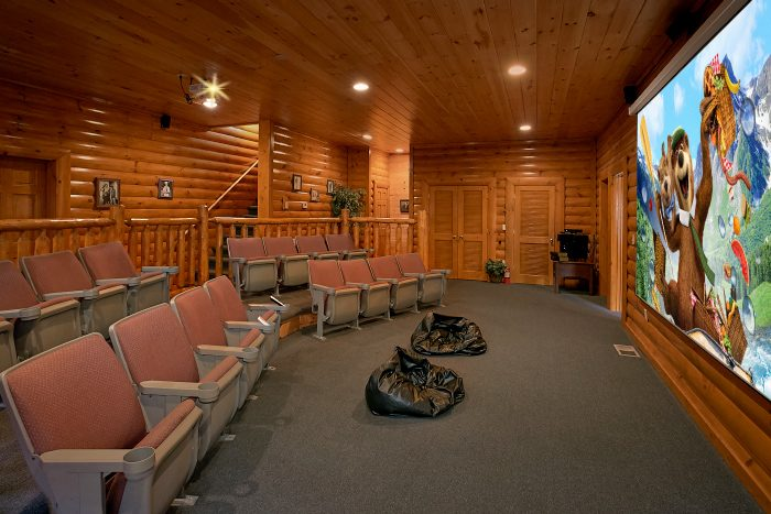 Quot Grand Theater Lodge Quot Theater Room Cabin In Pigeon Forge