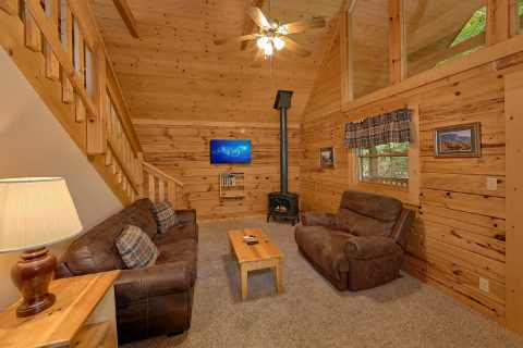 1 Bedroom Cabin with Fireplace in Living room - Mtn Dreams