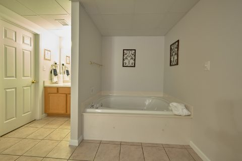 Master Suite with Jacuzzi Tub - My Pigeon Forge Retreat