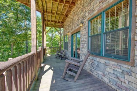 5 Bedroom Cabin with Covered Front Porch - Mystic Ridge