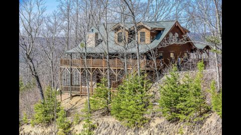 5 Bedroom 4 1/2 Bath 3 Story Cabin Sleeps 20 - Mystic Ridge