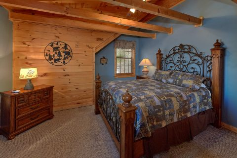 Spacious 5 Bedroom 4 1/5 Bath Sleeps 20 - Mystic Ridge