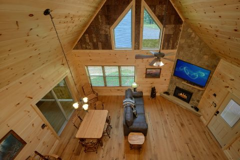 Premium 2 bedroom cabin with Dining Room for 6 - Mystical Mornings