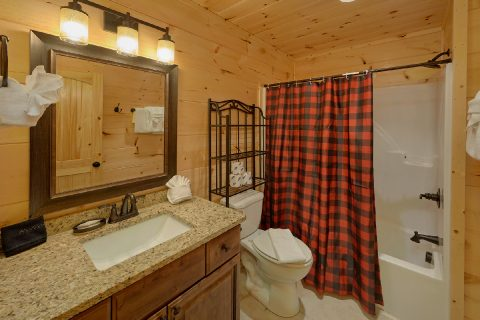 Private bathroom in King Master Bedroom - Mystical Mornings