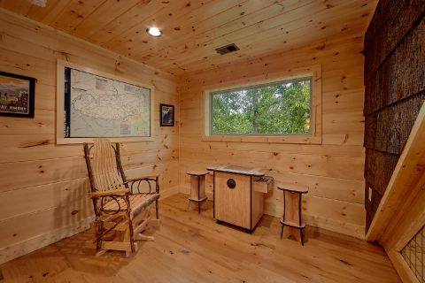 2 Bedroom cabin with Arcade Game and Loft - Mystical Mornings
