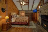 Pigeon Forge 2 Bedroom Cabin with King Bed