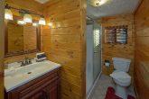 Rustic 2 Bedroom Cabin in Pigeon Forge Sleeps 4