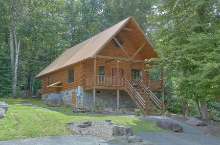 Mountain Breeze: 2 Bedroom Gatlinburg Cabin Rental
