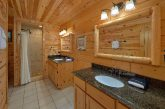 2 Bedroom 2 Bath Cabin Sleeps 5