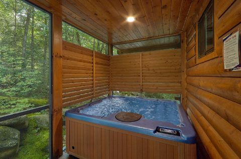 2 Bedroom Cabin with Private Hot Tub - Noah's Getaway