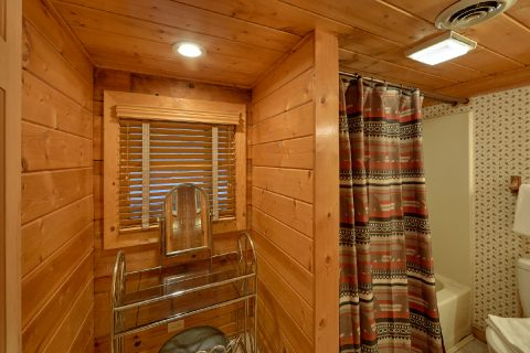 Secluded Gatlinburg cabin with 2 bathrooms - Oakland #1