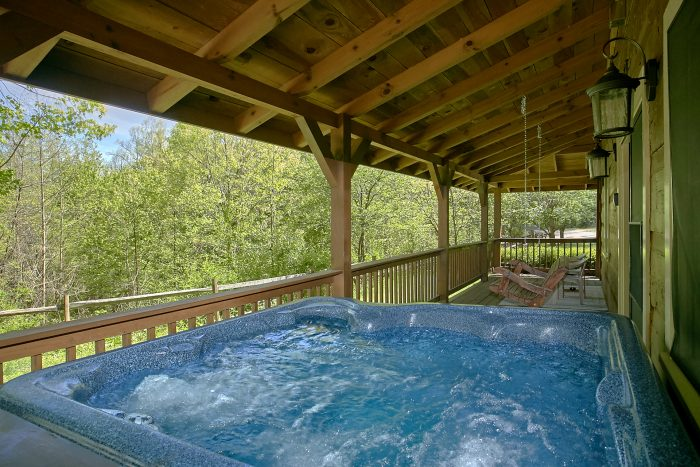 Private hot tub at secluded Gatlinburg Cabin - Oakland #1