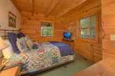 Rustic Cabin with King Bed and Private bathroom