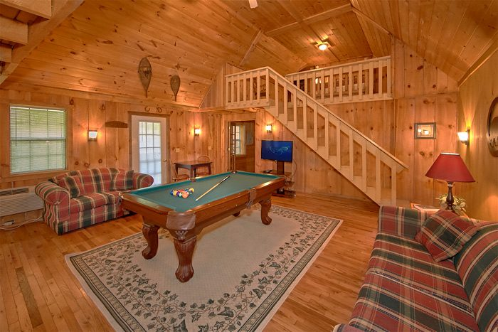 Spacious Cabin with Pool Table and Sleeper Sofa - On the Creek