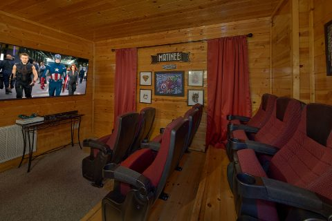 4 Bedroom Sleeps 14 with Pool Table and Theater - On The Rocks