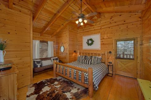4 Bedroom Cabin On The Rocks in Summit View - On The Rocks
