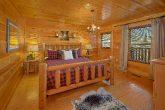 4 bedroom Cabin with Luxury Bedrooms Sleeps 14