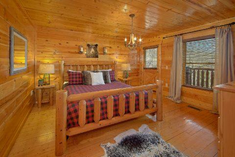 4 bedroom Cabin with Luxury Bedrooms Sleeps 14 - On The Rocks